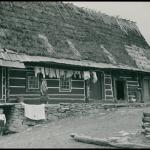 Chata łemkowska, Radoszyce, 1936 r., fot. Henryk Poddębski, źródło: Biblioteka Narodowa / Polona
